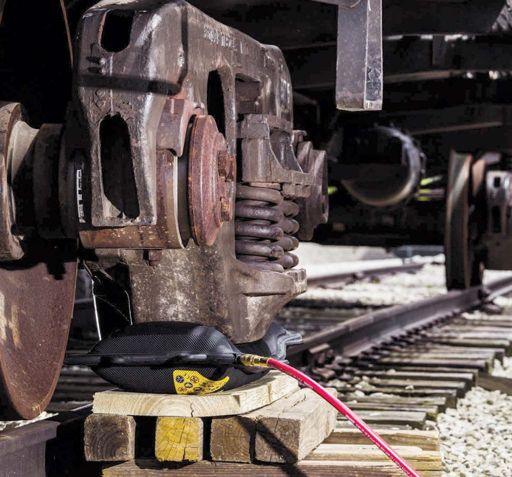 Re–rail, lift and shift cars and locomotives, change trucks, fast and easy shim replacements.